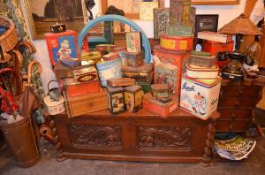 Antike Blechdosen-Sammlung - Laden 38
